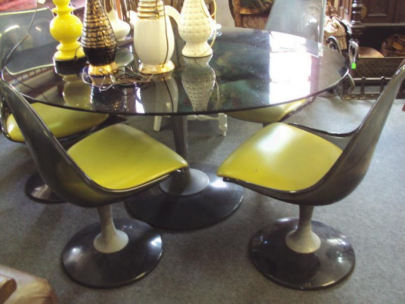 Tulip Chairs and Table